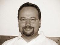 Dr. Julian Hoflehner